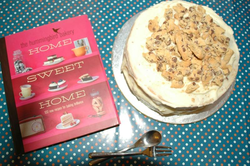 hummingbird cookiecream cake